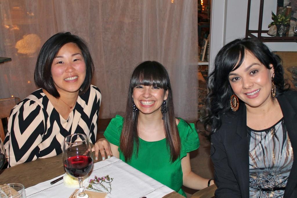 Loara, Gabi & Miss Daisey - Cheers!
